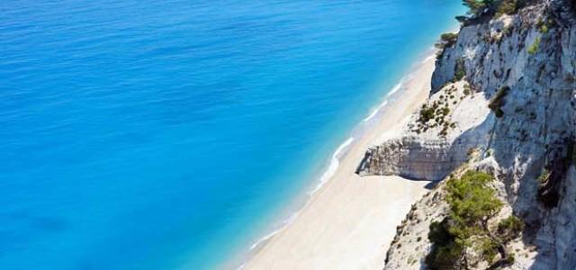 Οι Εγκρεμνοί ανάμεσα στις ελληνικές παραλίες που ξεχωρίζουν για το 2016